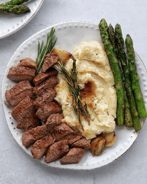 Grass-fed Lamb Medallions with Creamy Rosemary Mash and asparagus Recipe from Dietetic Aesthetic